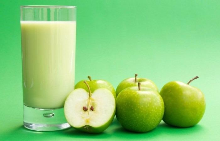 Salah satu minuman untuk menurunkan berat badan yaitu jus Apel